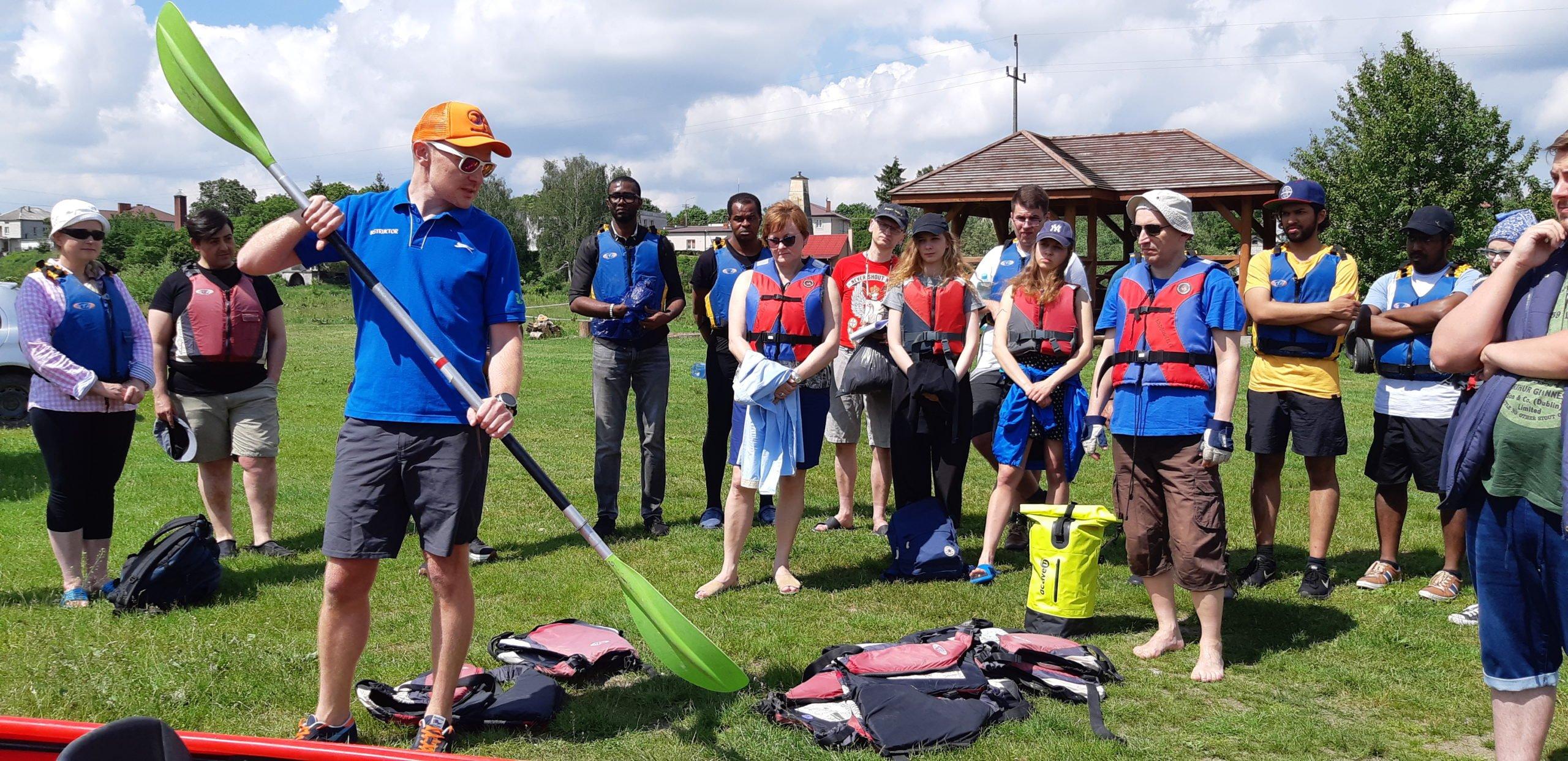 Spływ Bugiem - profesjonalny instruktaż przed spływem kajakowym na trasie Sławatycze - Jabłeczna